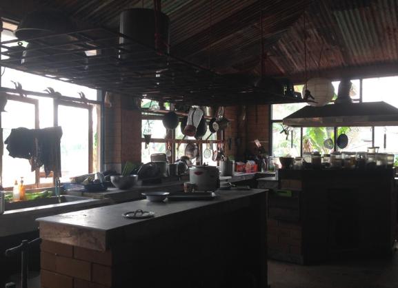 Die Küche auf Rak Tamachat